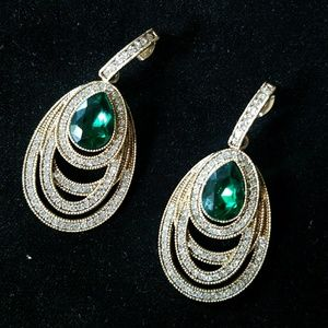 Jewelry - Statement Emerald green and gold earrings